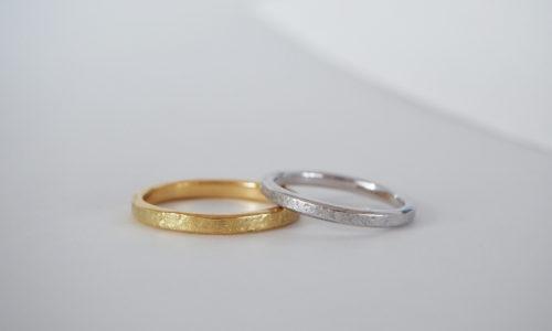 荒らし鎚のテクスチャ入りの結婚指輪