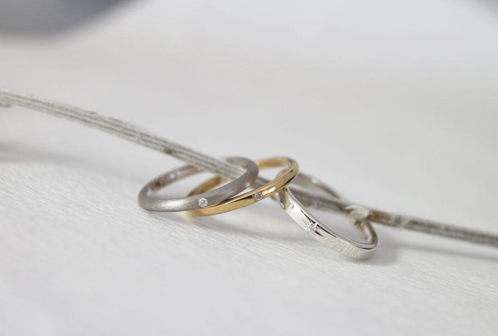 結婚指輪にダイヤモンドを石留めしたサンプル