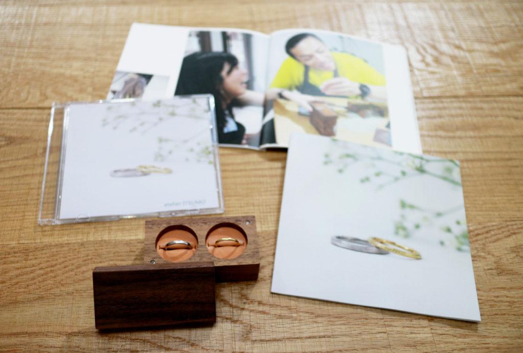 ふたりで手作りする結婚指輪の制作風景をフォトブックやCDに残します。