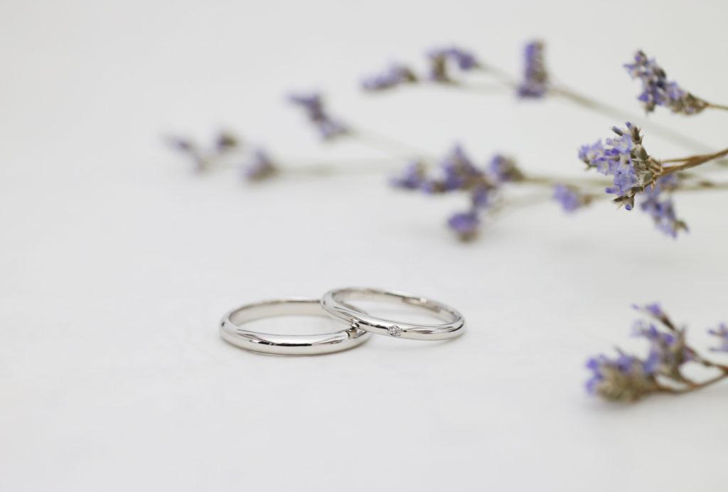 プラチナのふたりで手作りしたシンプルな結婚指輪