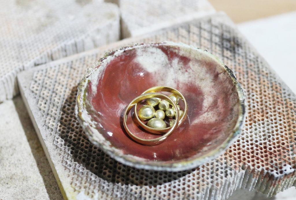 結婚指輪の材料となる形見の指輪