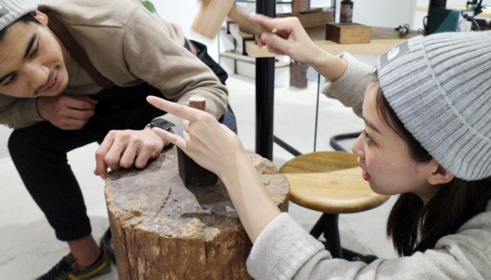 確かめながら結婚指輪を手作りする