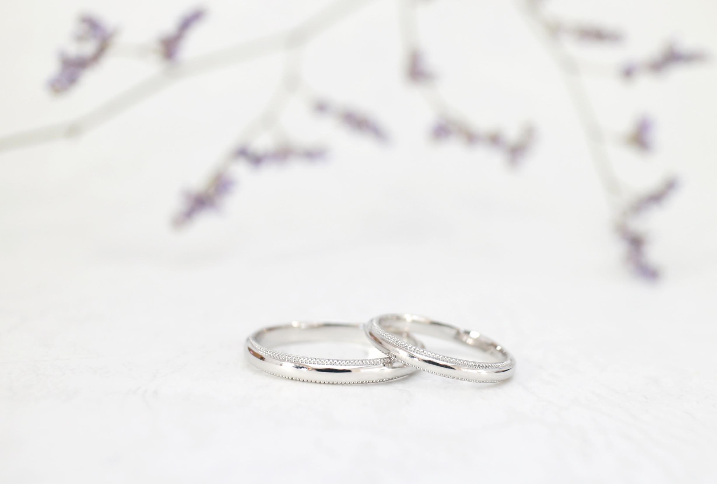 ミル打ちを施した結婚指輪