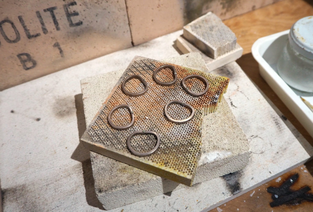 結婚指輪を手作りする前の練習に使うシルバーリング