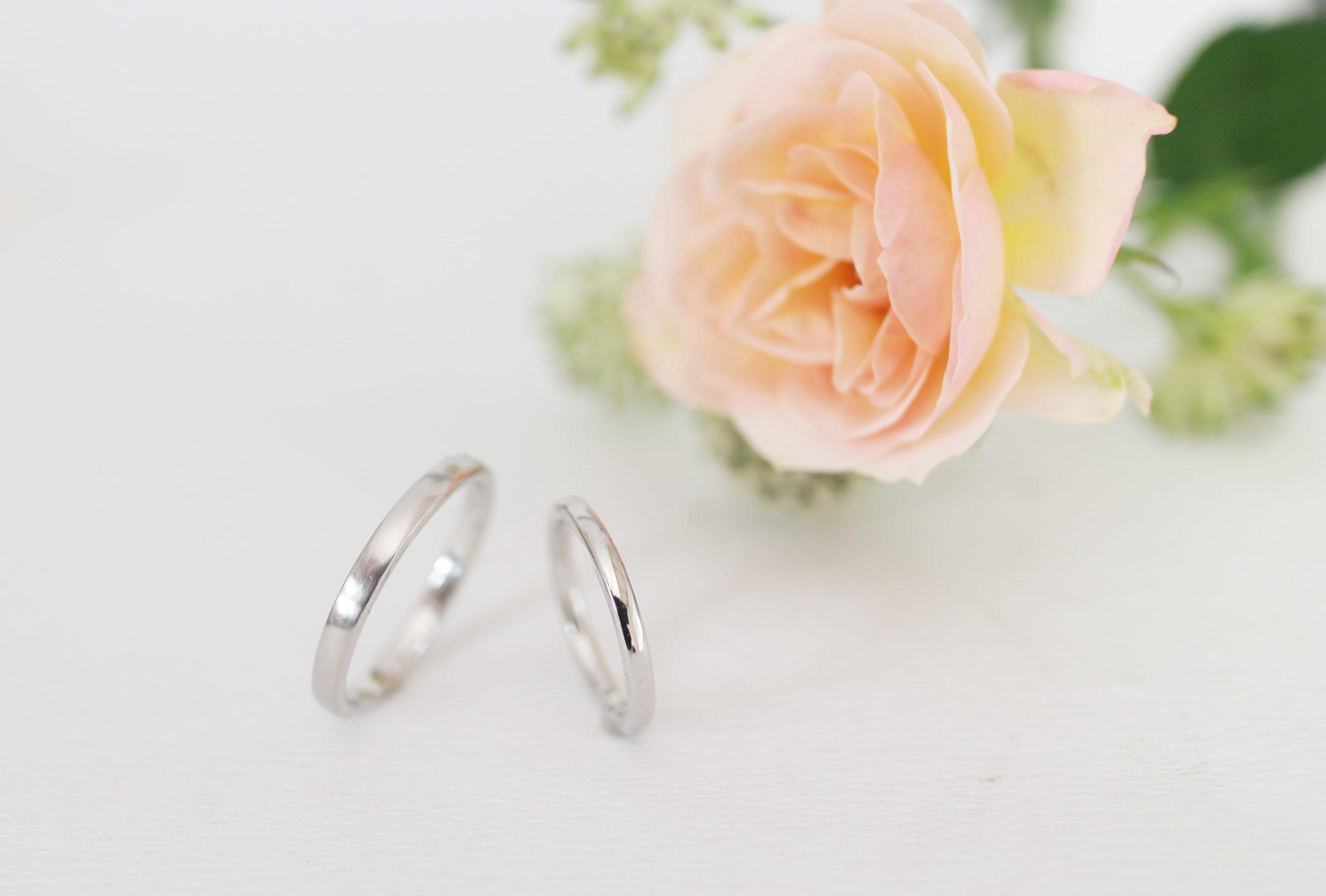 鏡面だけど雰囲気がちがう手作り結婚指輪