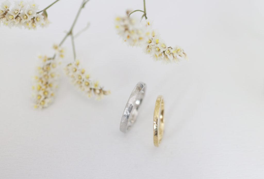 ゴールドとプラチナの鎚目の手作り結婚指輪