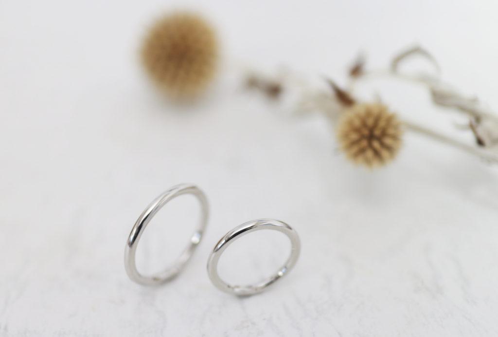 丸いフォルムの手作り結婚指輪