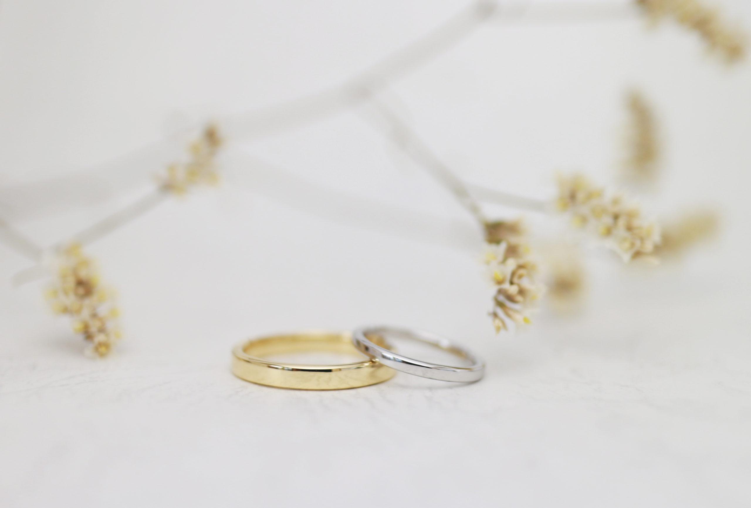 プラチナとゴールドのシンプルな手作り結婚指輪