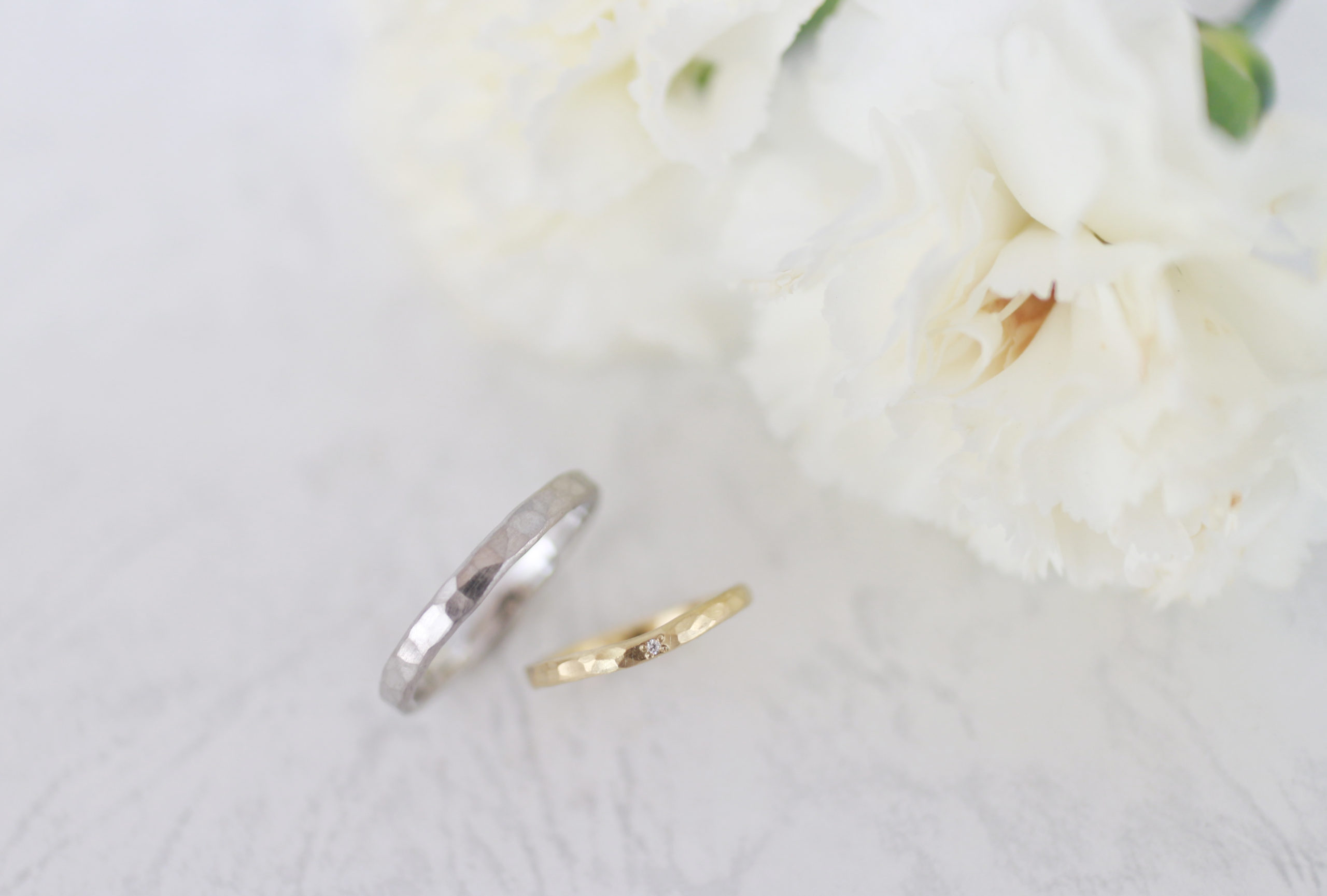 少しV字の手作り結婚指輪