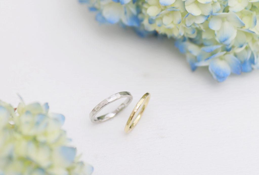 好きなように鎚目を入れた手作り結婚指輪